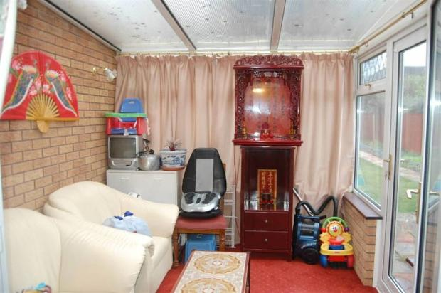 How not to present a conservatory…
